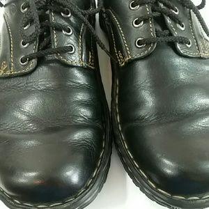 Born women's lace up shoes